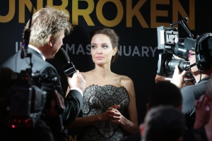 angelina-jolie-at-unbroken-movie-premiere