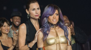 M154 – (Left to right.) Minnie Driver and Gugu Mbatha-Raw stars in Relativity Media's  BEYOND THE LIGHTS. Copyright © 2013 Blackbird Productions, LLC Photo Credit: Suzanne Tenner